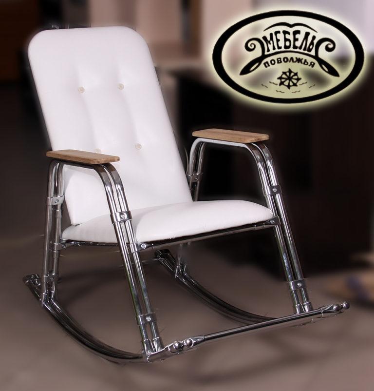 Кресло-качалка на хромированном металлокарскасе