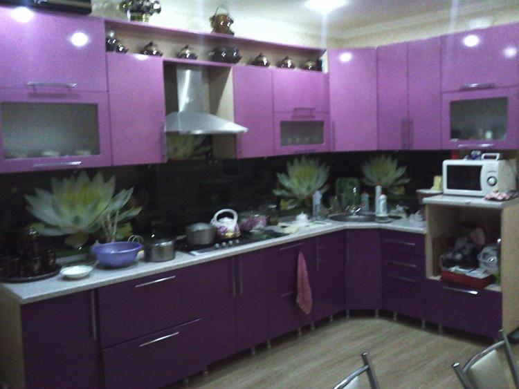 Сиреневая кухня на западе Москвы