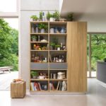 открытый кухонный шкаф